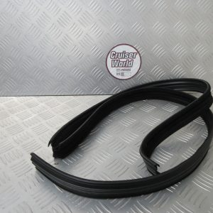 Toyota landcruiser 40 window seal 68105-90302